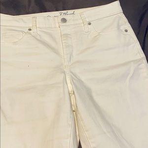 Universal thread White jeans!